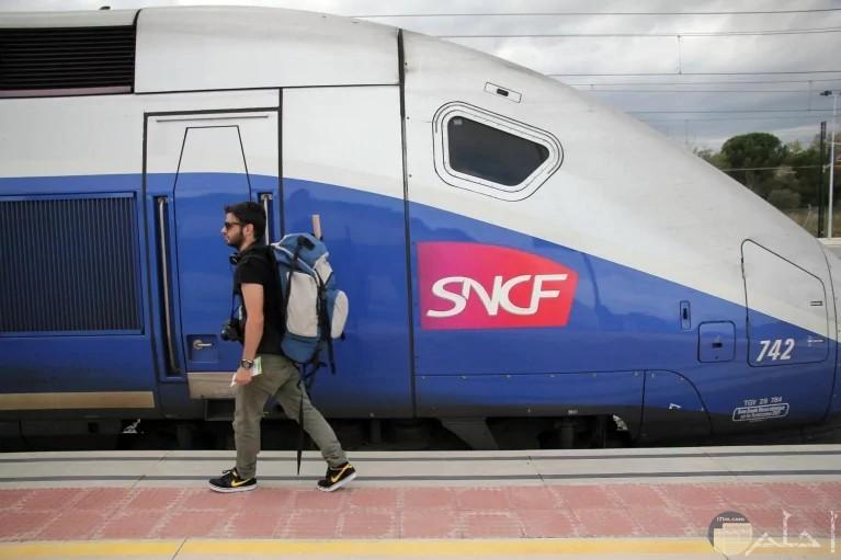 القطار الفرنسي السريع