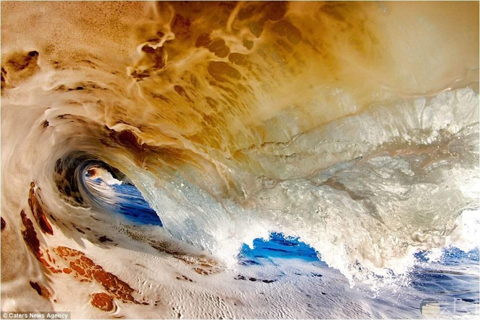 روعة موج البحر