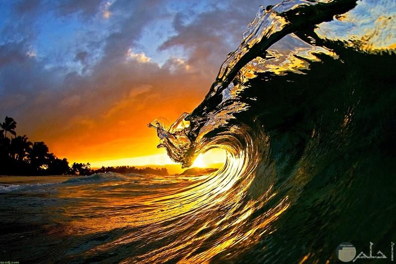 صورة رائعة لموج البحر