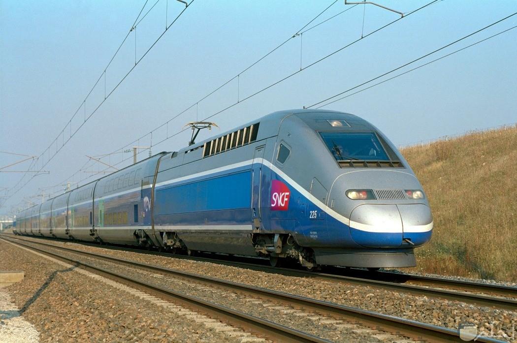 صورة لقطار TGV الفرنسي