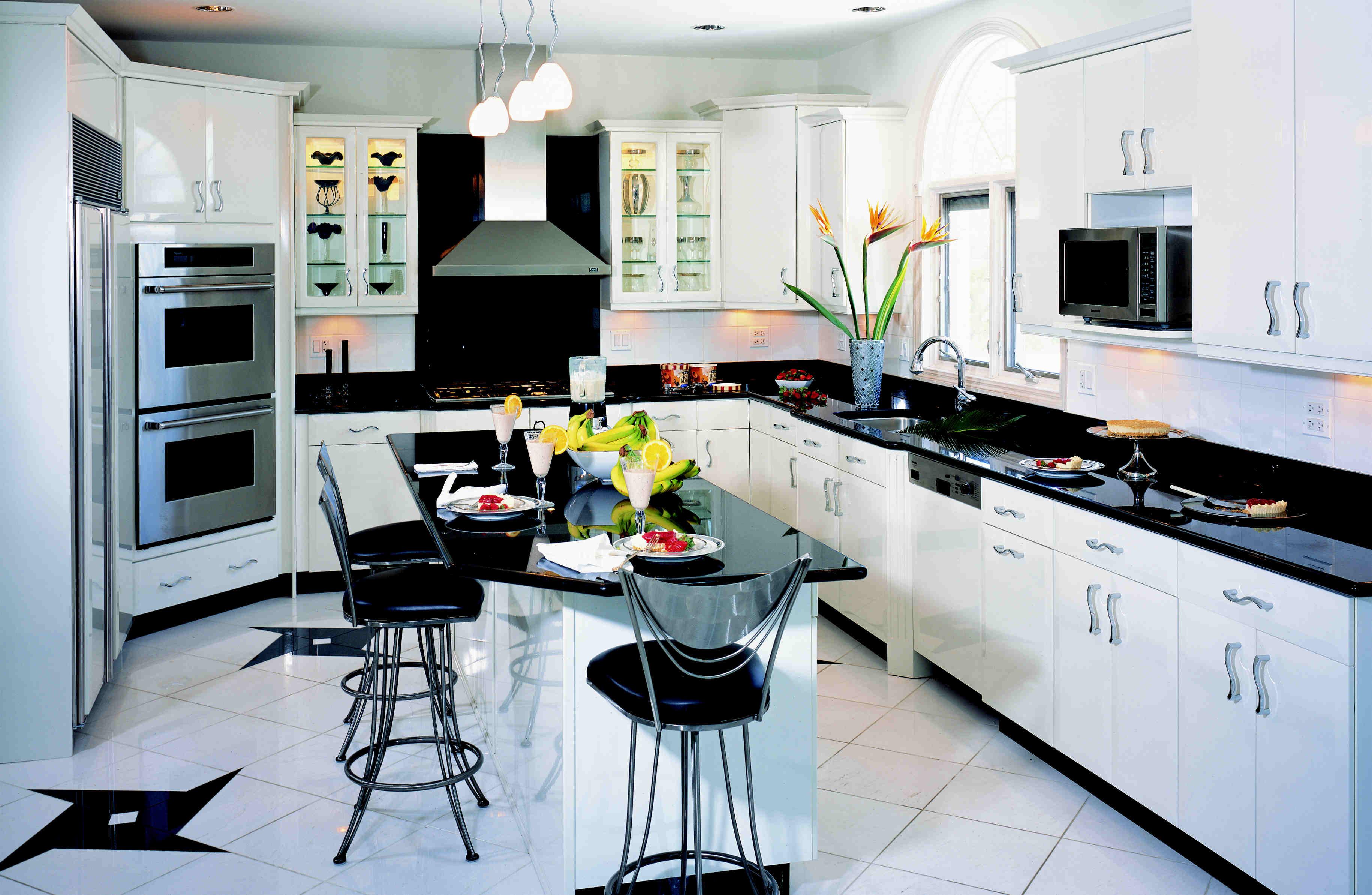 صورة مطبخ كبير راقي