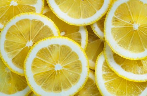 مجموعة صور لشرائح الليمون المميزة: