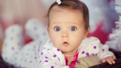 طفلة صغيرة زي القمر