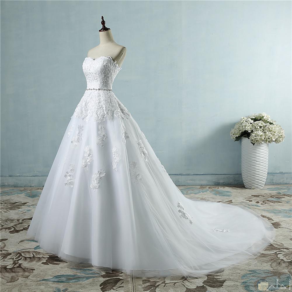 bf83e6771 صورة رائعة لفستان زفاف مع ذيل متوسط فستان زفاف أبيض بذيل مطرظ يجنن