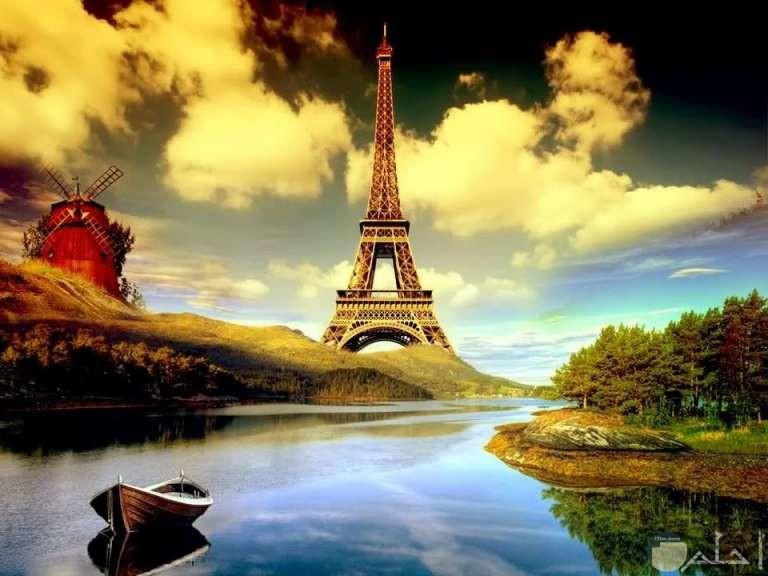 برج ايفل يطل علي نهر رائع