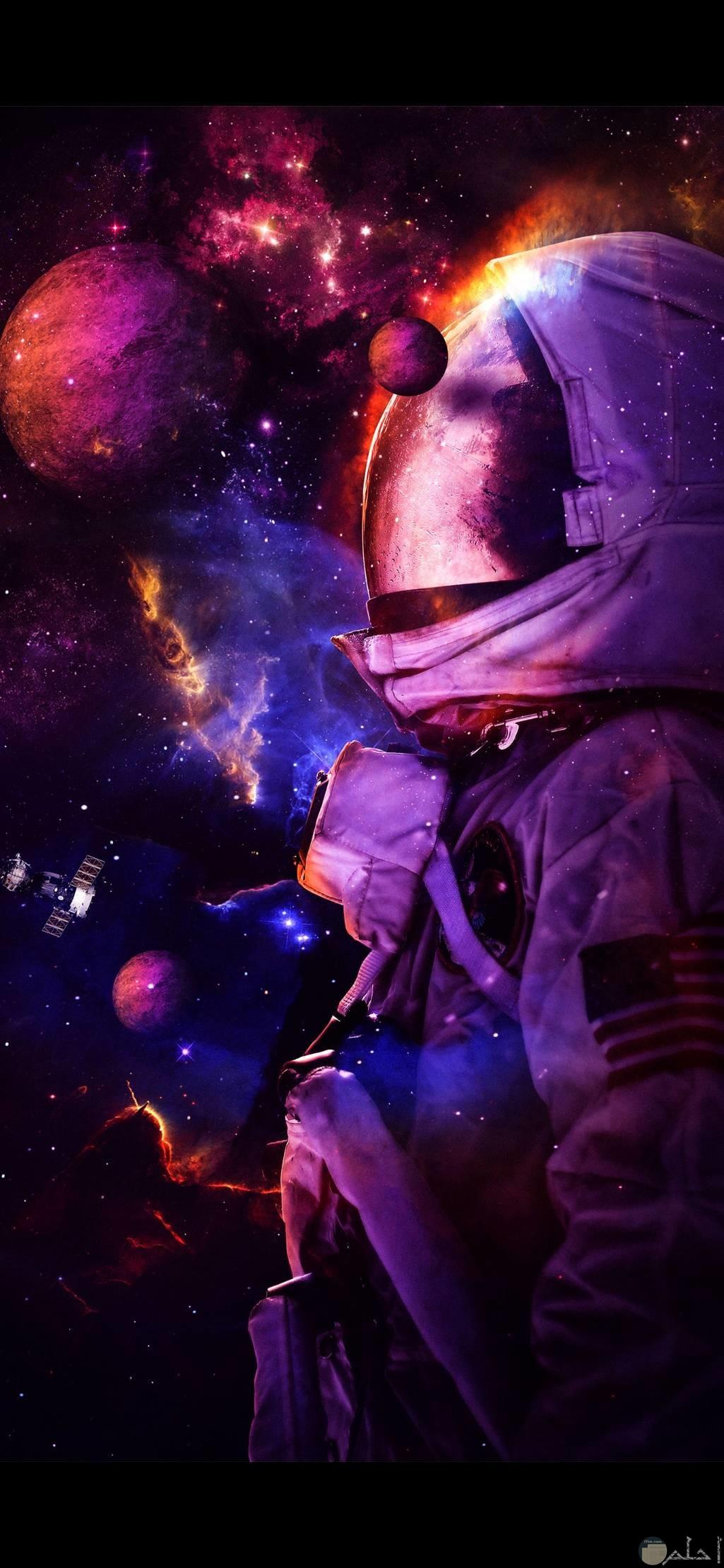 صور عميقة رائعة لرجل الفضاء