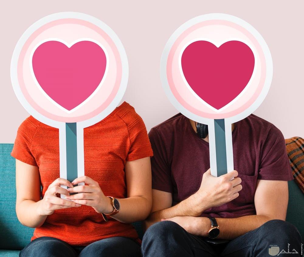 صور رمزية تعبر عن علاقة حب تجمع بينهم