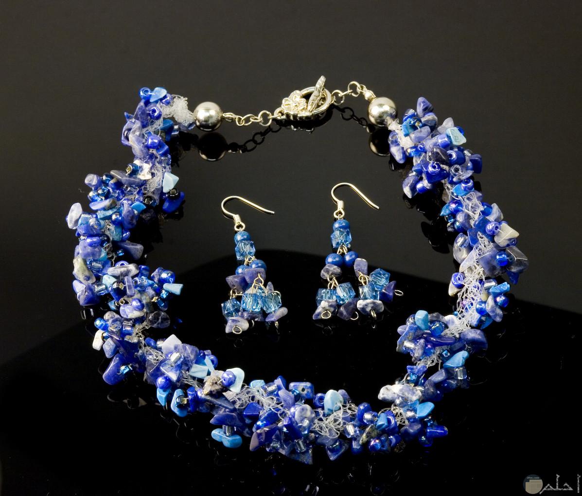 صورة اكسسوار هاند ميد للبنات باللون الأزرق لليدين والاذنين