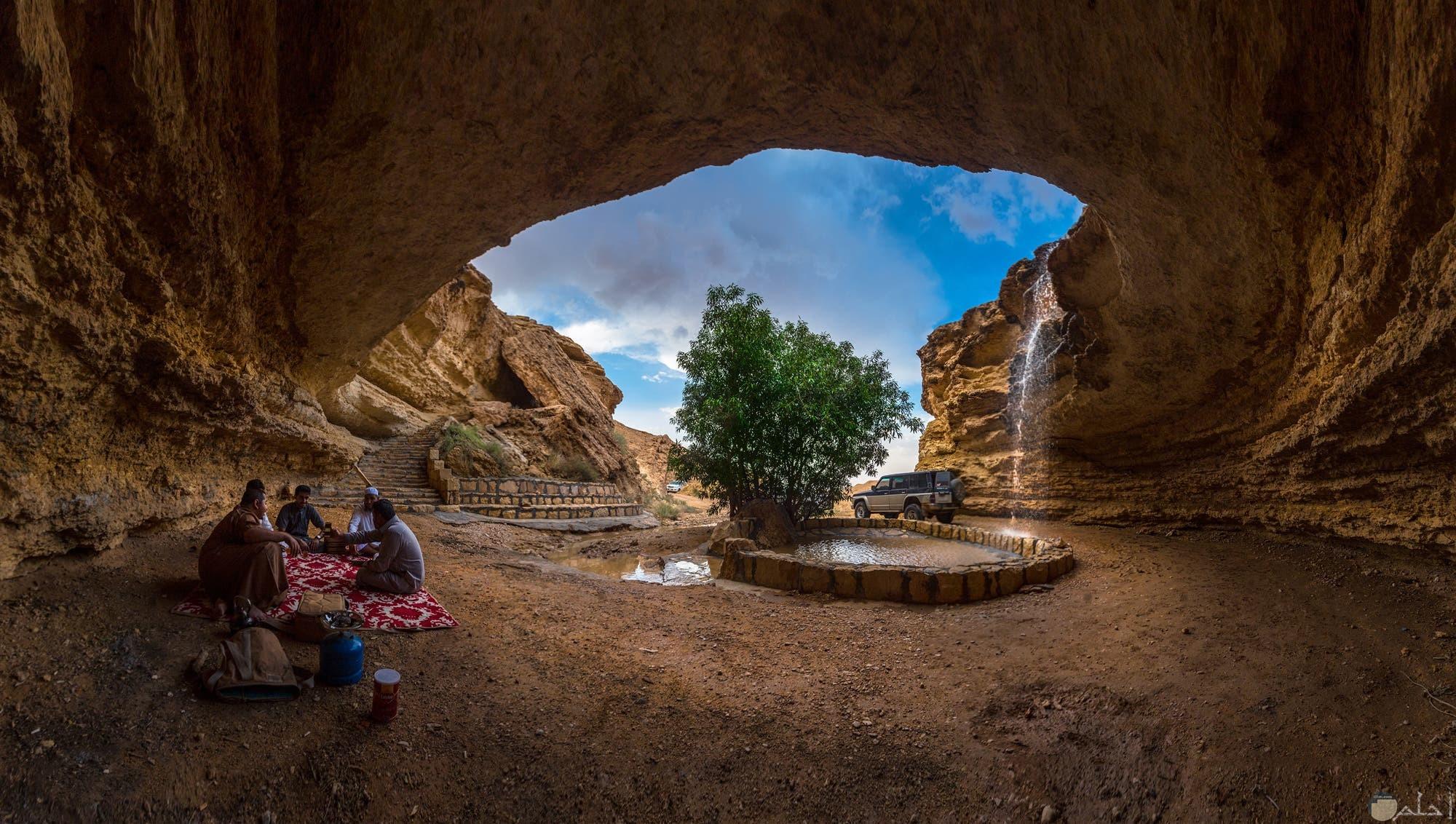 الحياة الجبلية الرائعة بالسعودية