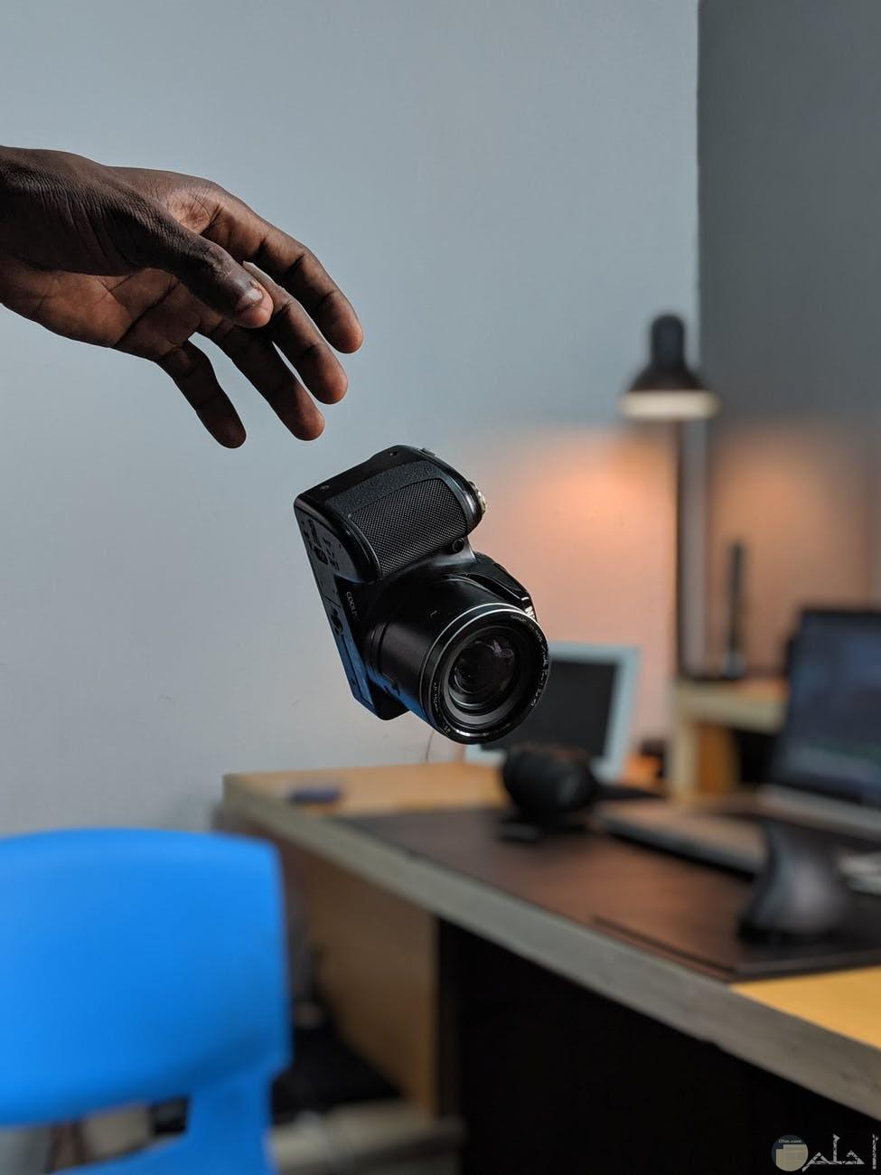 الكاميرا وانواعها المختلفة وكفاءتها في نقل الصور كالطبيعة