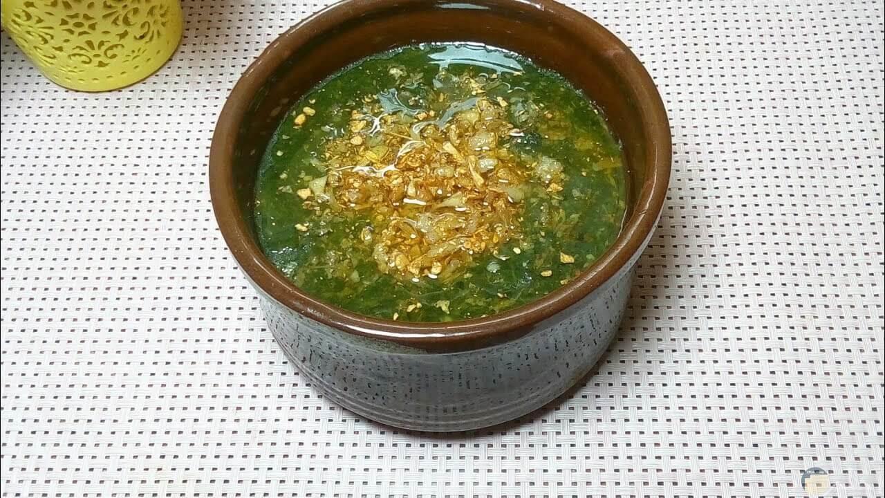 صورة لطبق لأكلة الملوخية المصرية اللذيذة المشهورة