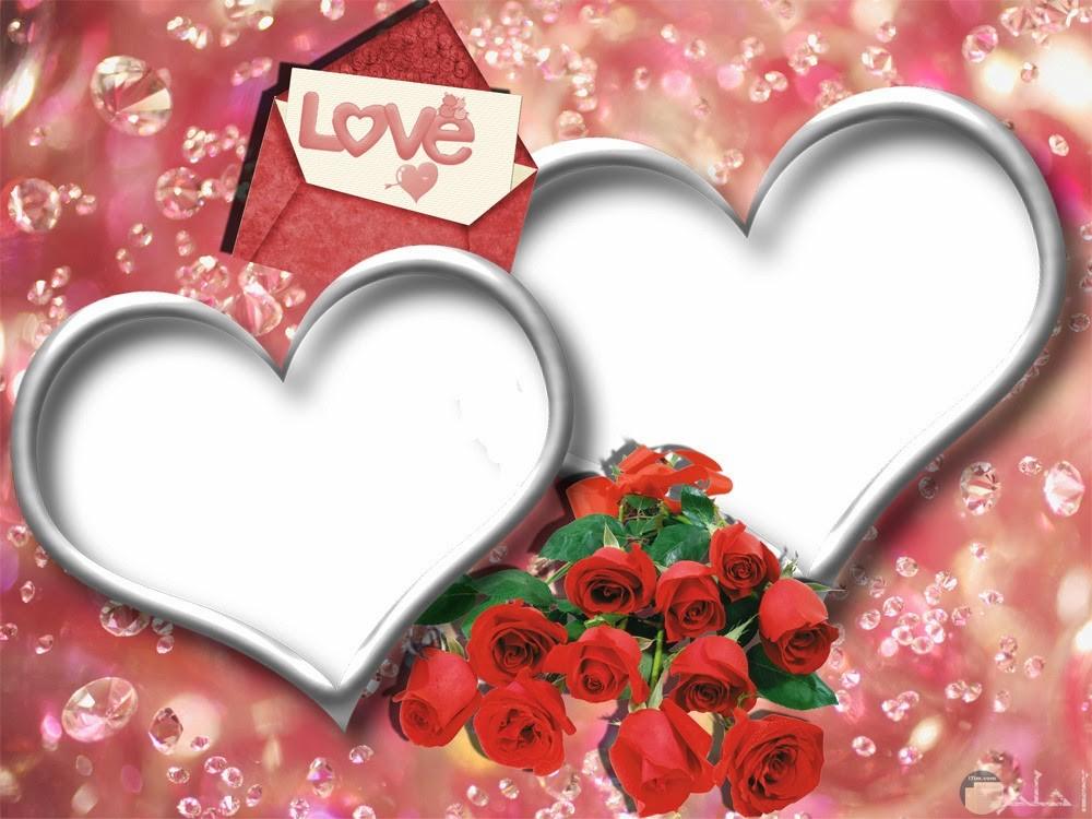 برواز قلوب مع زهور حمراء
