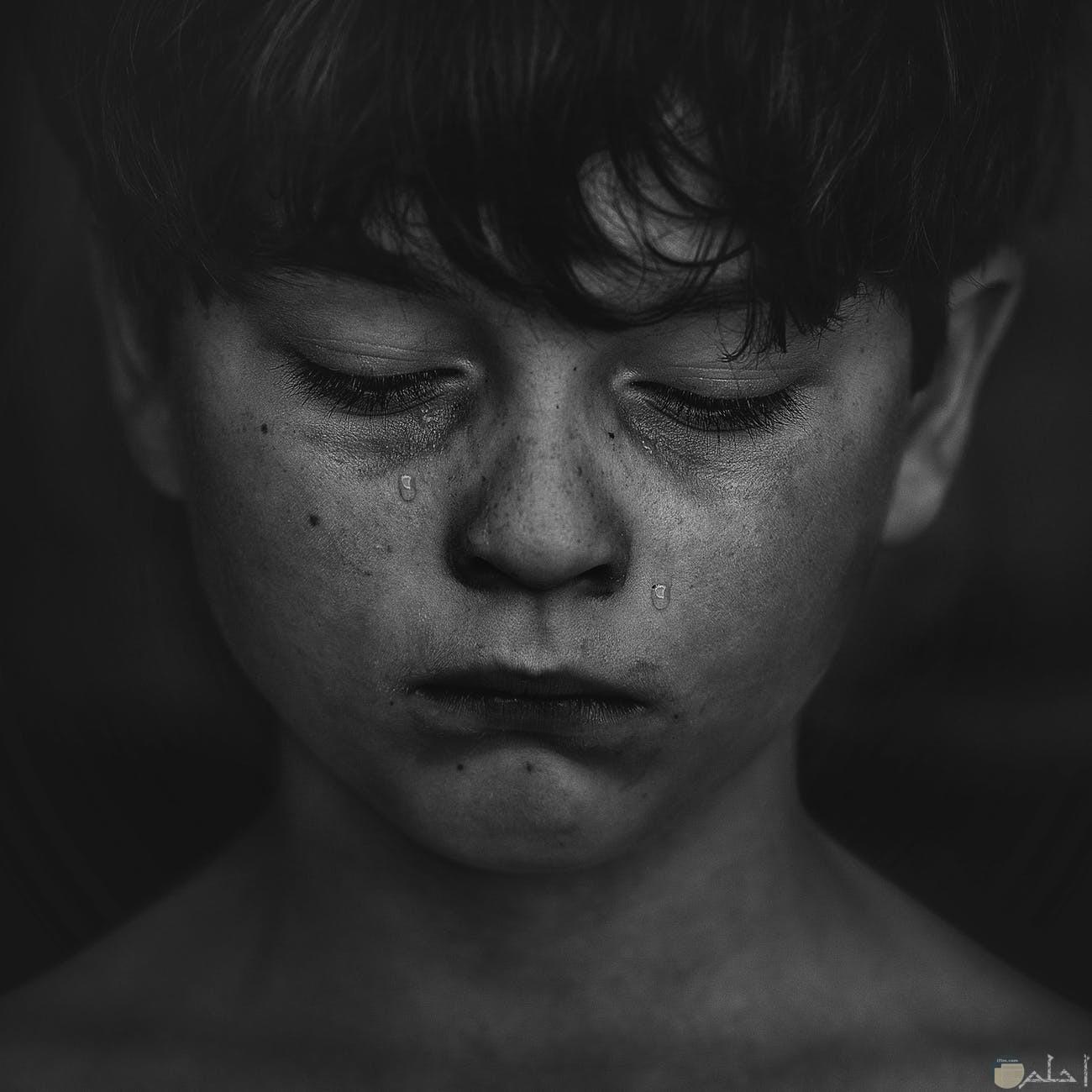بكاء طفل لفقدان عزيز