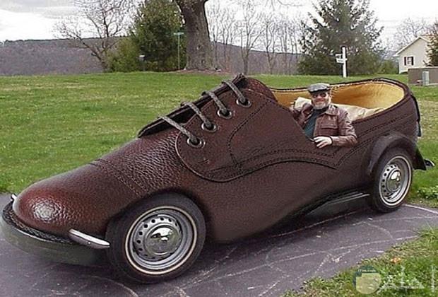 سيارة على شكل حذاء
