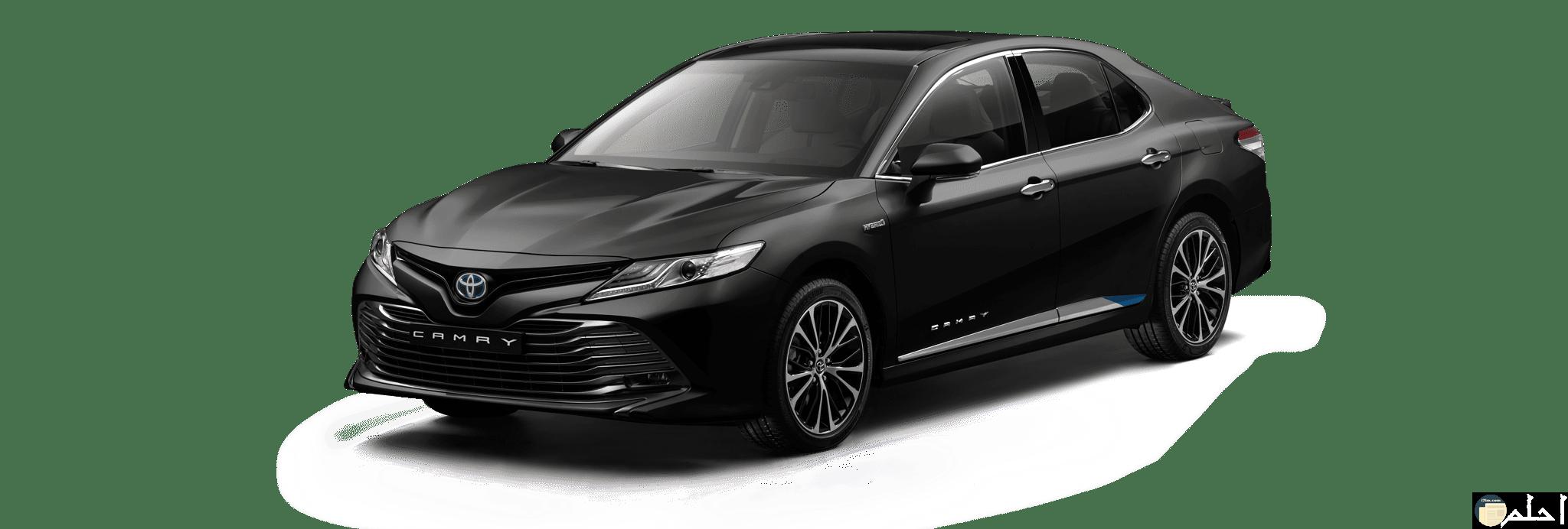 سيارة كامري سوداء