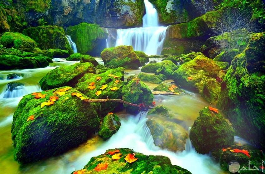 شلالات طبيعية رائعة