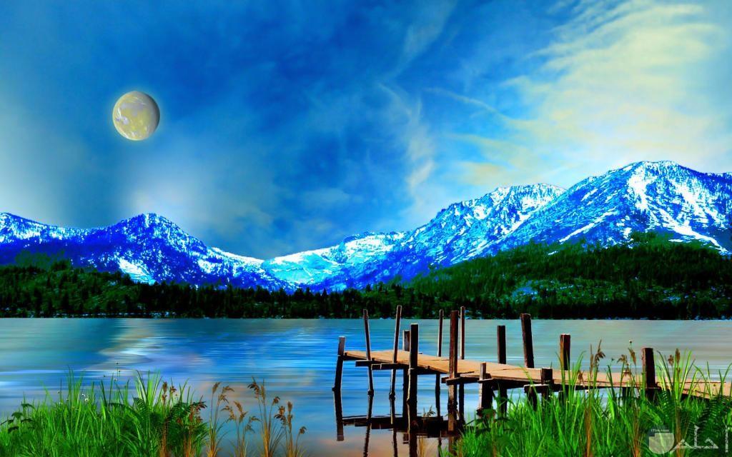 صورة رائعة للقمر اللامع
