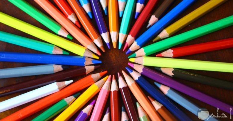 صورة قلم ألوان