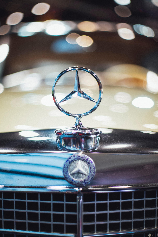 صورة جميلة ومميزة لشعار سيارة مرسيدس بنز
