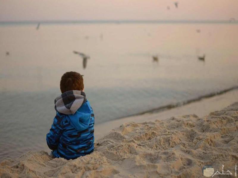 صور حزينة بدون كتابة اجلس وحدي حزين