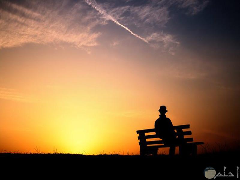 صور حزينة بدون كتابة اجلس وحدي حزين4