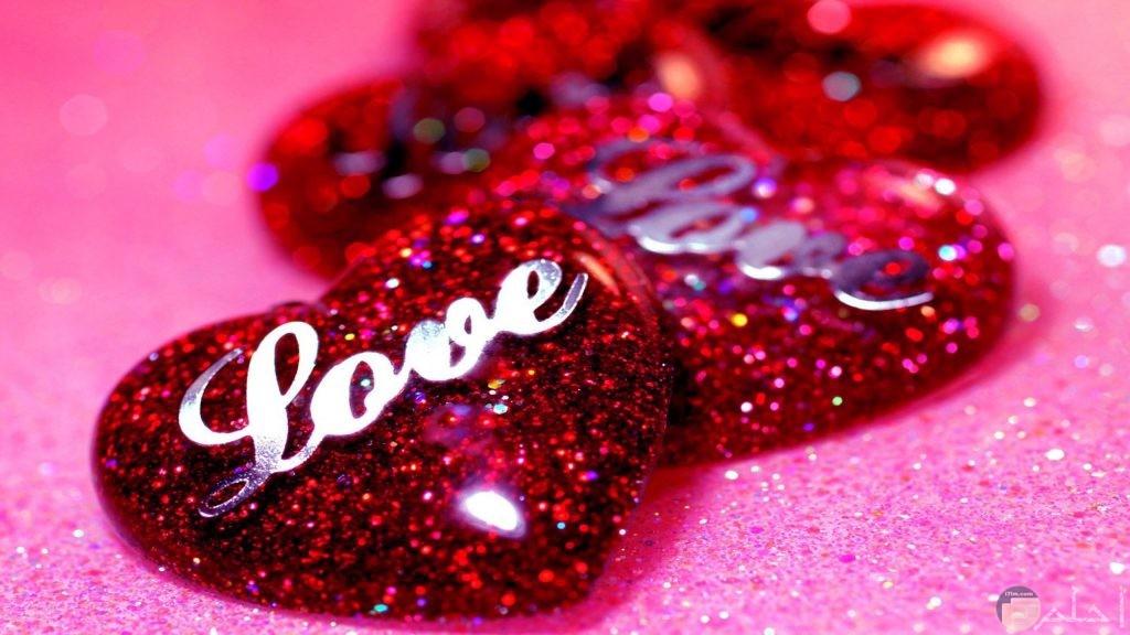 قلب love بيلمع