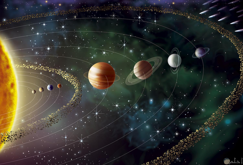 شكل الكواكب في صورة إبداعية لحركتها حول الشمس
