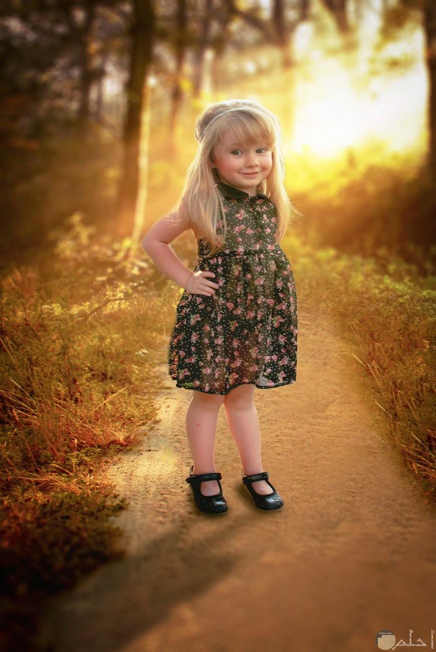 فستان بسيط منقوش بالورد الرائع
