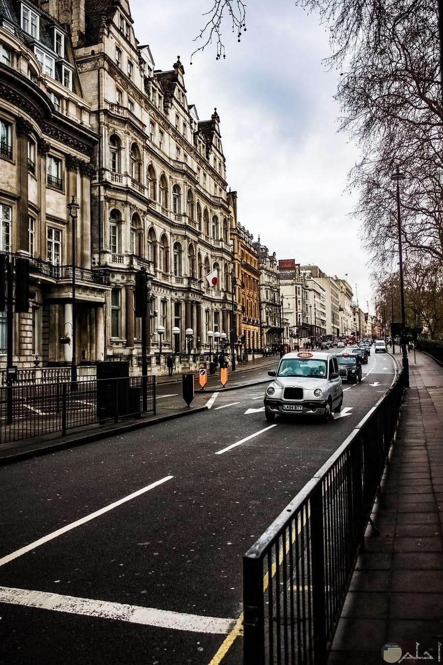 لندن وشوارعها الجذابة