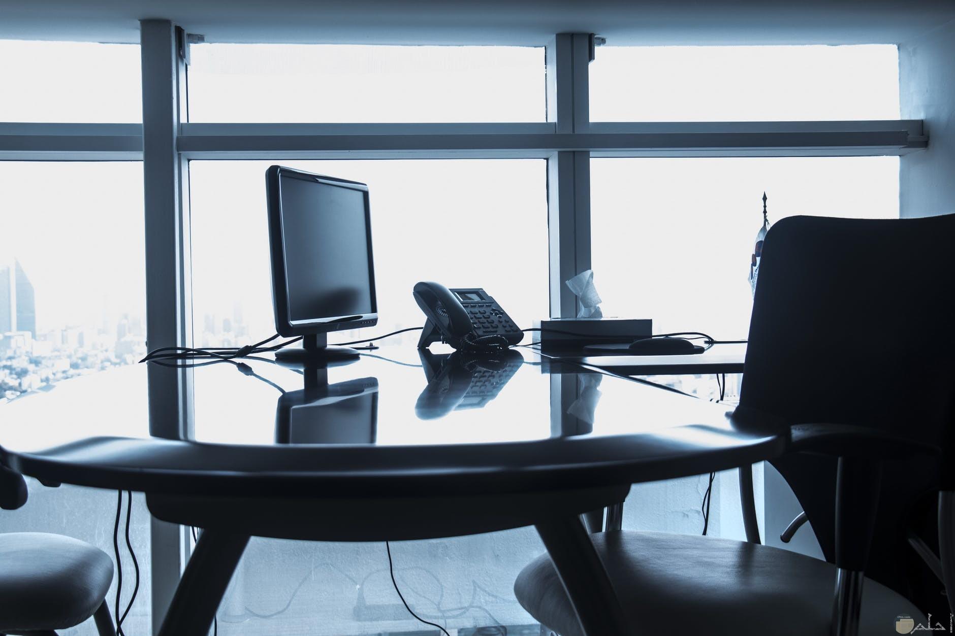 مكتب مريح وعملي