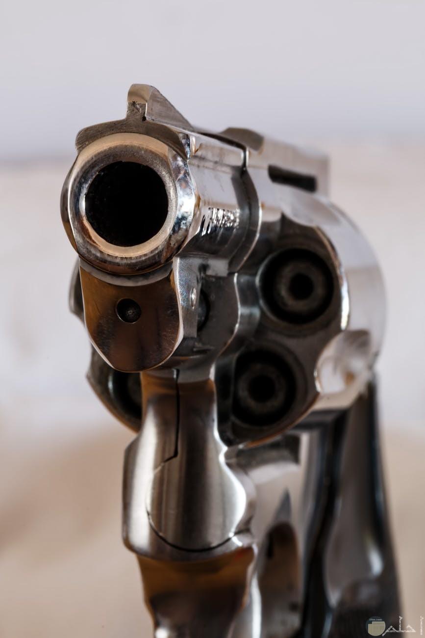 من احدث المسدسات