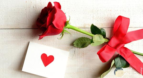 صورة وردة حمراء وقلب