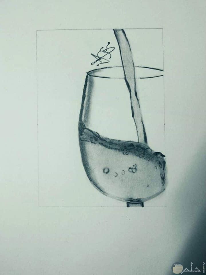 صور رسومات بالرصاص لكاس مياة