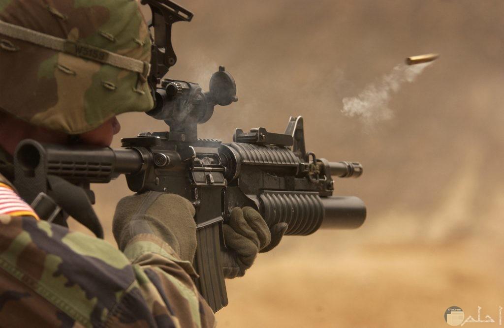 صوره لجندي يطلق الرصاص بالقناصه