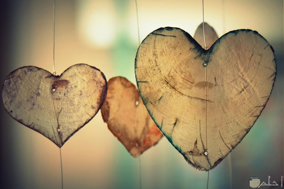 صورة ثلاث قلوب تعبر عن الحب والعشق والغرام