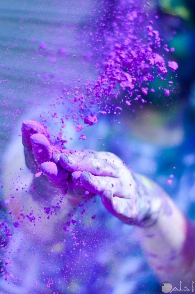 ارتباط الألوان بعيد الهولى