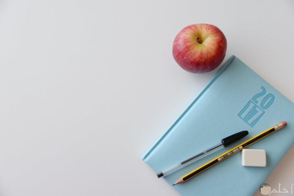 فوائد التفاح للتركيز وقت المزاكرة