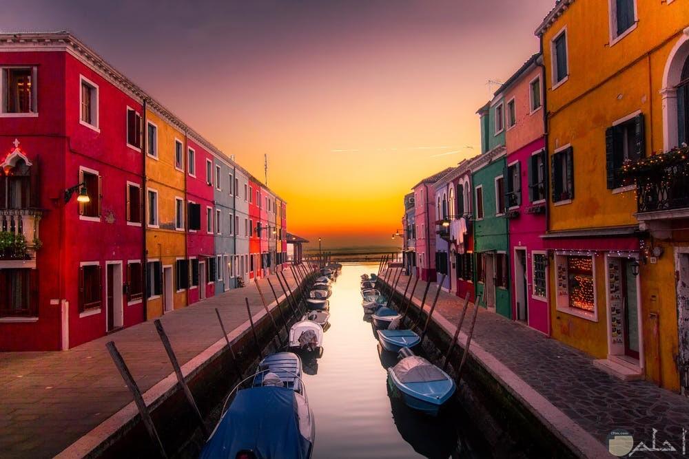 منازل مبهجة مع جمال الألوان