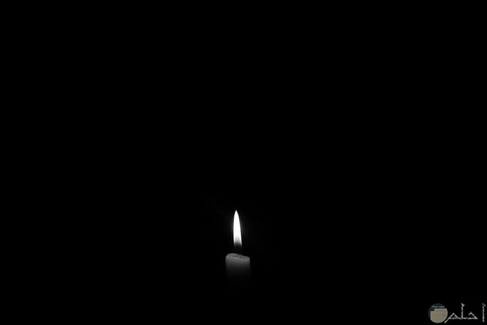 جمال الشموع مع الصور السوداء