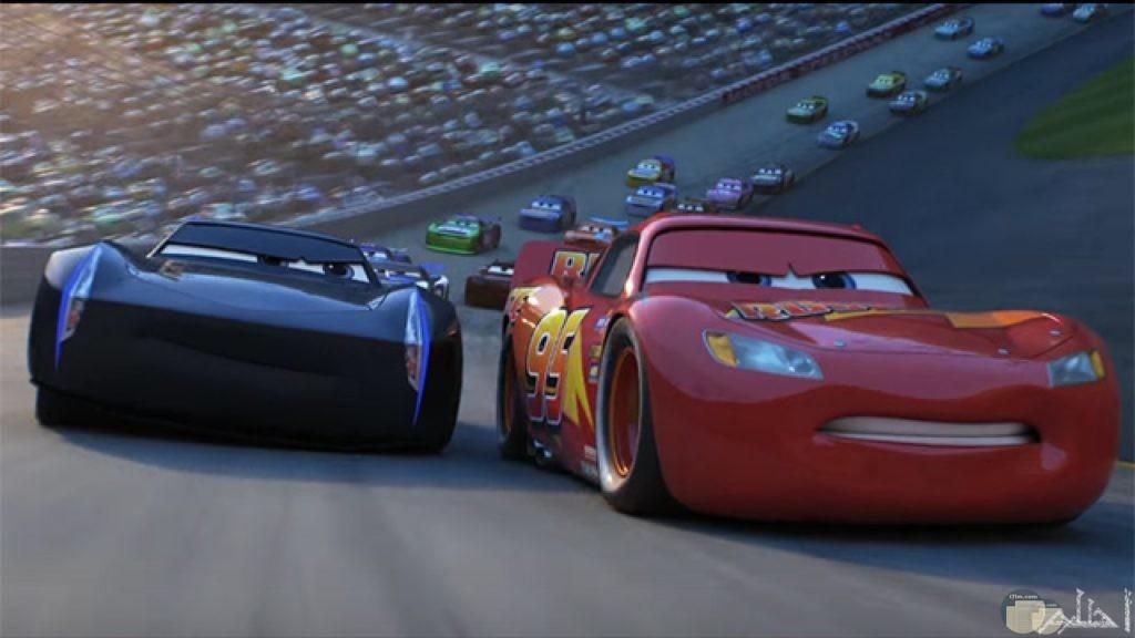 صورة مجموعة كبيرة من سيارات