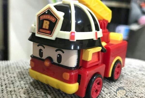 صورة حلوة جدا لسيارة إطفاء لعبة للأطفال جميلة