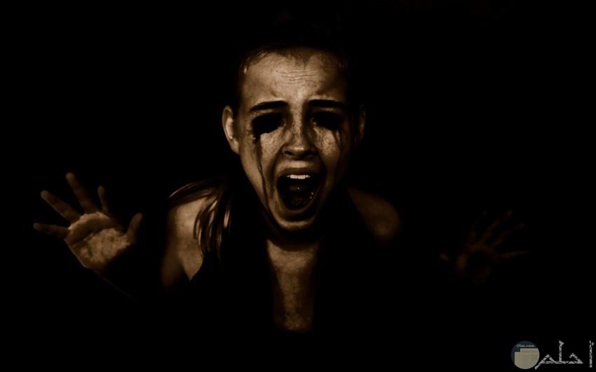صورة طفل حزينة مرعبة