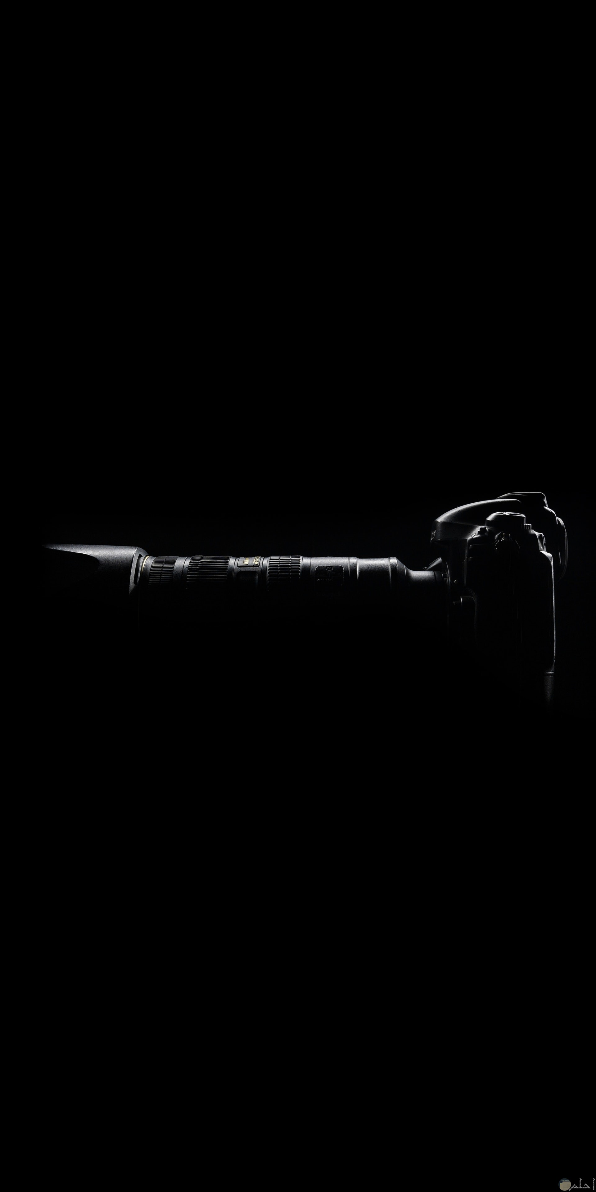 صورة مميزة بالأبيض والأسود لكاميرا تصوير إحترافية