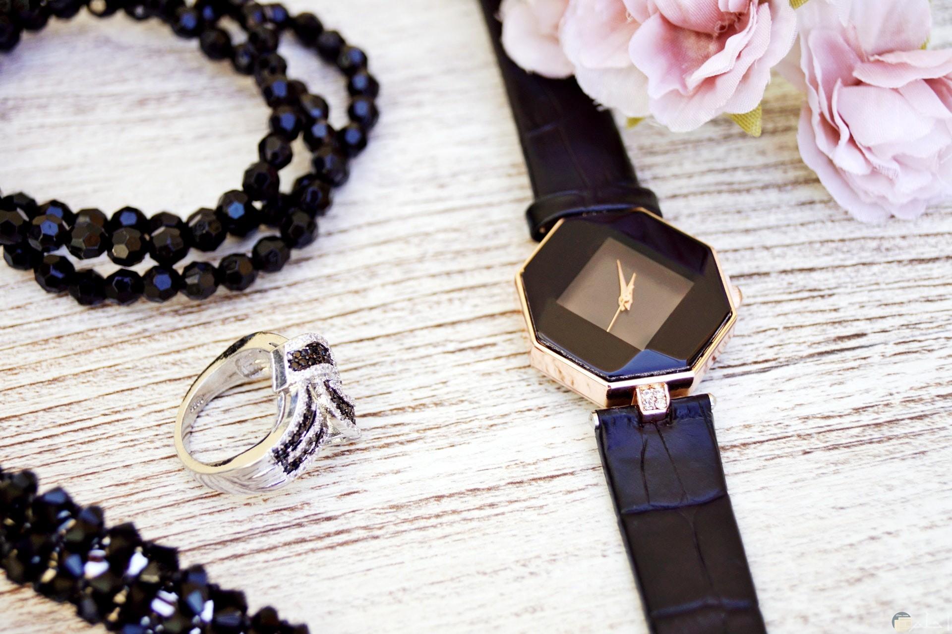 صور إكسسوارات جميلة من ساعة وخاتم وسلسلة للرقبة حلوة للفتيات
