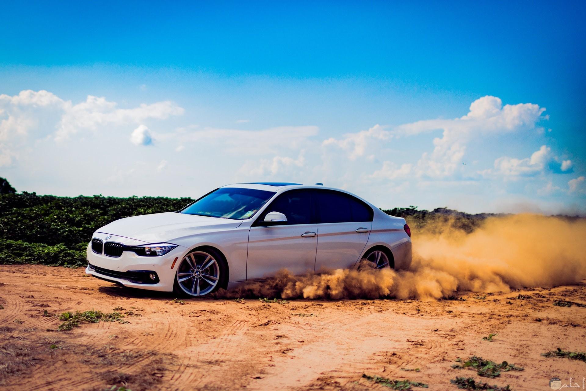 صور مميزة لسيارة بي ام دبليو بيضاء جميلة جدا