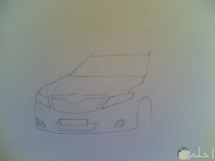 نرسم وجة السيارة بالكامل وبداية الجسم