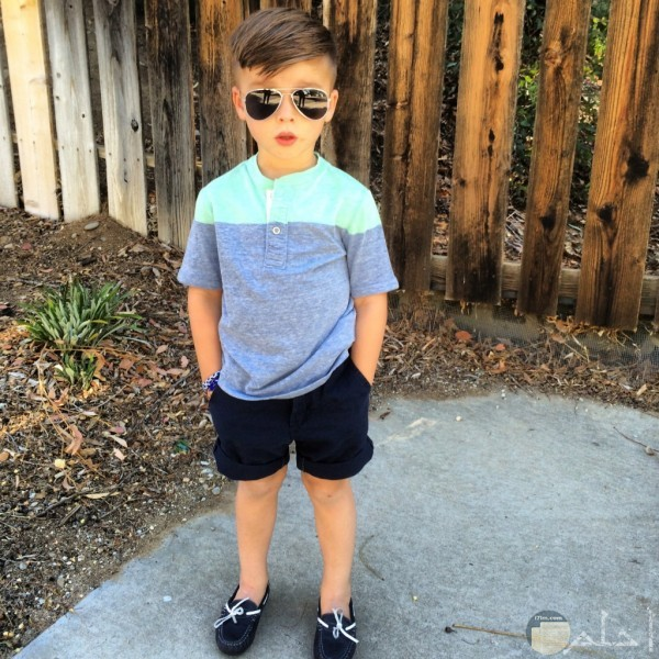 صورة طفل بملابس روعة