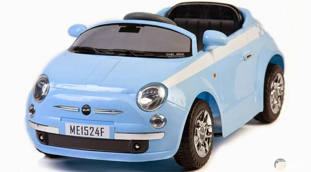 سيارة اطفال لونها سماوي