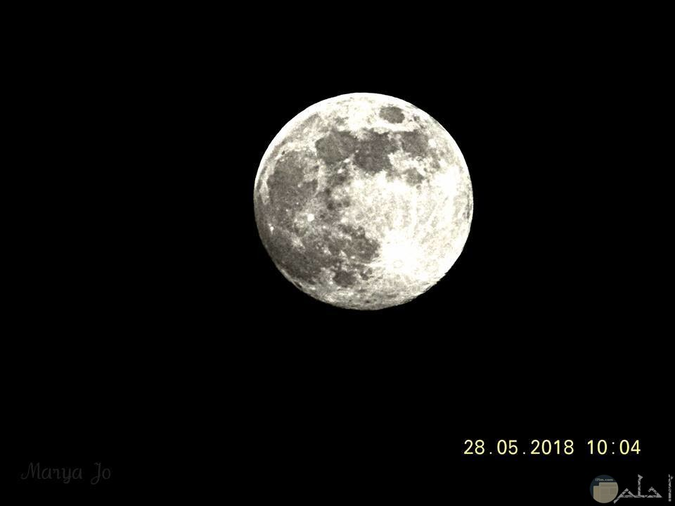 صور القمر بالليل