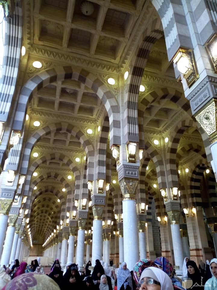 المسجد النبوي من الداخل